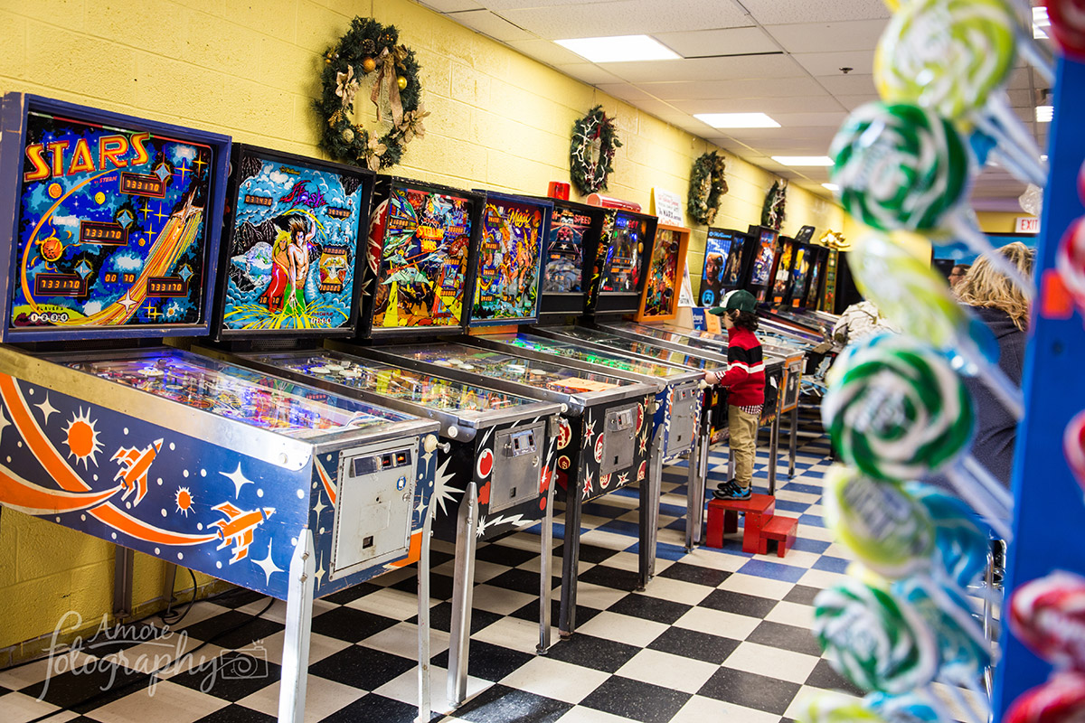 Arcades In Mn >> One Of The Largest Retro Arcades In Mn Blue Sun Soda Shop